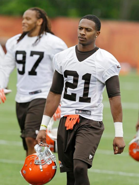 Browns The Other Guy _Wald (2).jpg