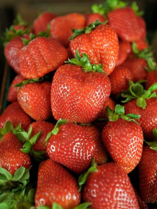 0408_Strawberries2.jpg