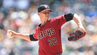 Jun 24, 2018: Arizona Diamondbacks starting pitcher Clay Buchholz (32) pitches against the Pittsburgh Pirates during the first inning at PNC Park.