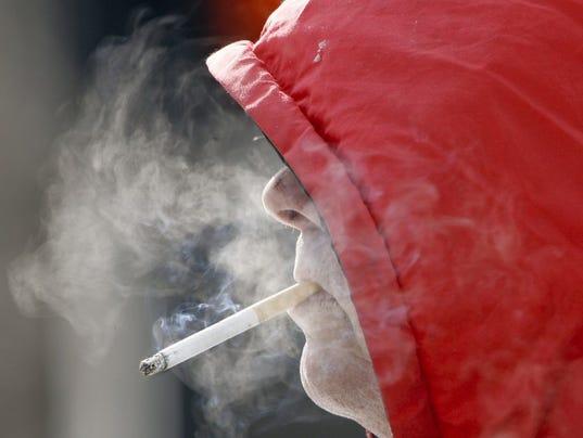 -ITHBrd_02-14-2013_Daily_1_A004~~2013~02~13~IMG_bgm_0214_smoking.jpg_1_1_C93.jpg