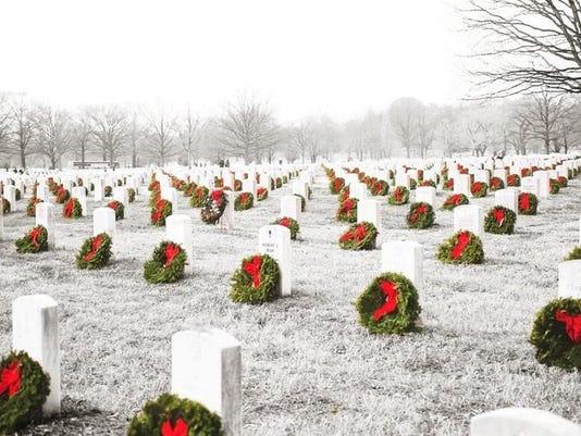 636489504236036760-wreaths.jpg