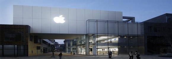 Tech Five: Apple kicks off big