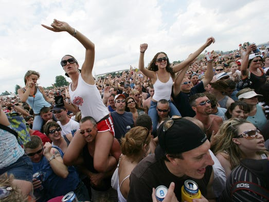 Fans cheer Third Eye Blind during the band's 2006 Carb Day performance.