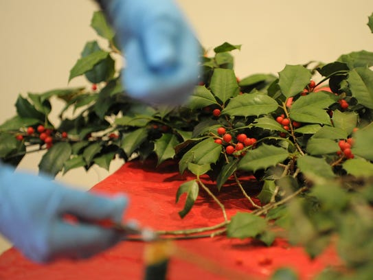 Learn to make holiday wreaths at the East Coast Garden