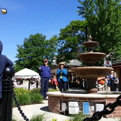 Onlookers applaud as Collingswood's fountain is formally