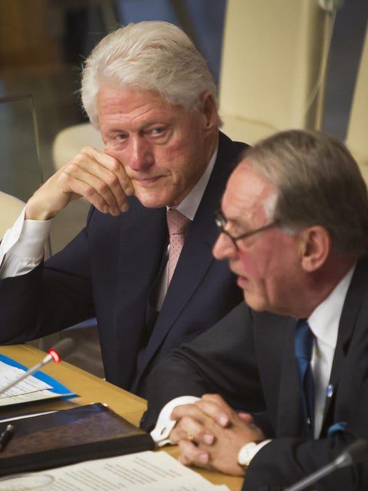 Bill Clinton, Jan Eliasson