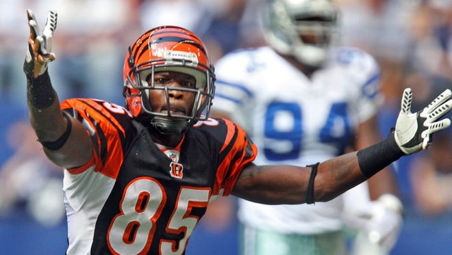 Former Bengals wide receiver Chad Johnson defended current QB Andy Dalton on Twitter.