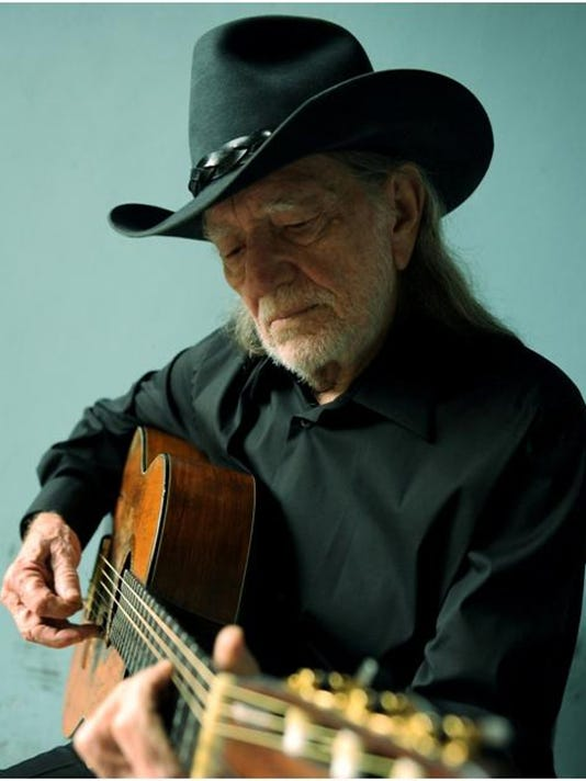 XXX WILLIE NELSON LONG STORY BOOKS JY 5868 .JPG A FEA