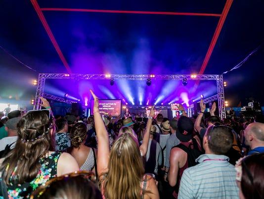 636668294245157214-Fringe-Massaoke-Glastonbury-Festival.jpg