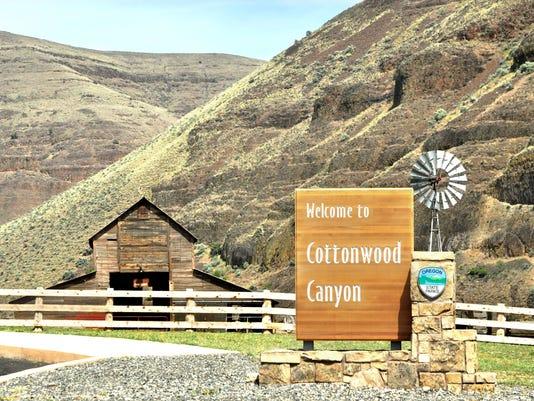 CottonwoodCanyon - entrance sign and Murtha ranch barn.jpg