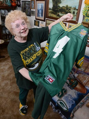 Green Bay Packers fan Joyce Cleven, has her funeral planned out, which includes being laid to rest in a Brett Favre jersey.