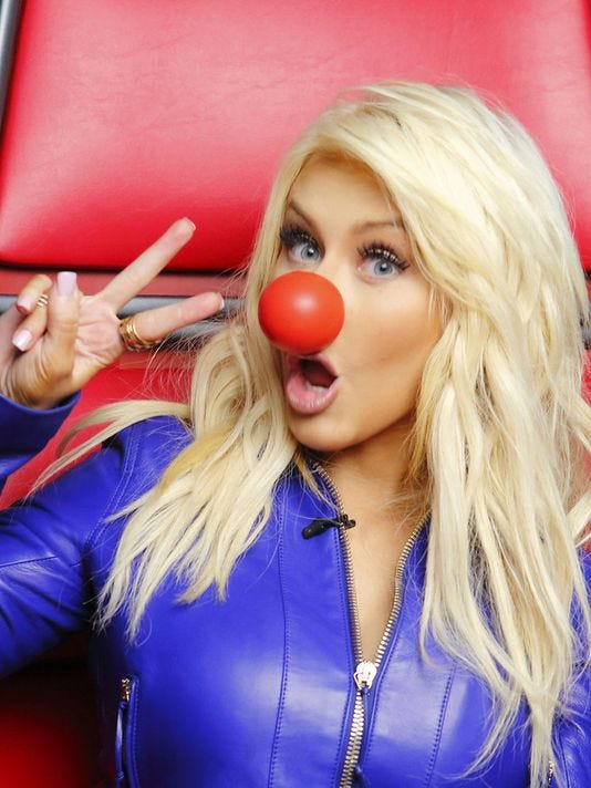 635653511423821580-Christina-Aguilera-Red-Nose-Day.jpg