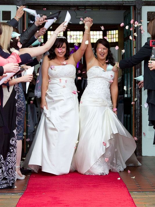 635731748444467806-lesbian-marriage