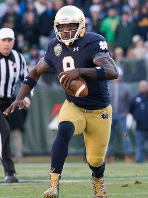 Notre Dame quarterback Malik Zaire
