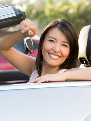 Pinnacle Federal Credit Union is committed to making things easier and taking the complexity out of buying a car. With Pinnacle's 'One-Way Auto Loan,' your rate will never rise above the fixed percentage you originally qualified for, but if interest rates fall, Pinnacle will automatically lower your rate and monthly payment to their reduced new level.