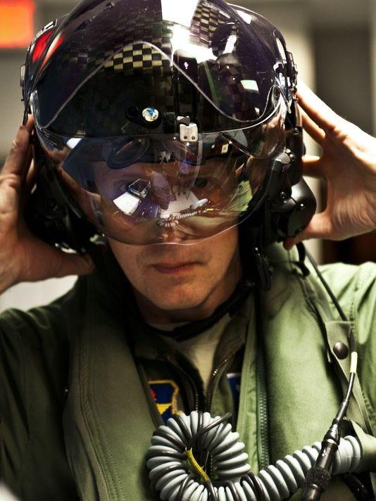 635814789239828721-navy-helmet