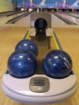 The high school bowling season is underway in mid-Michigan.