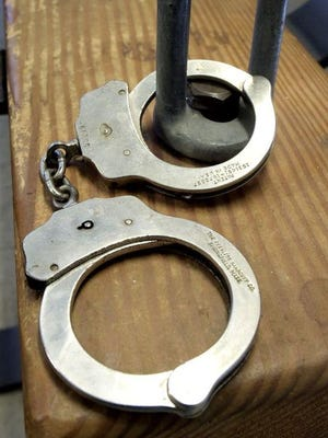 Logo arrest