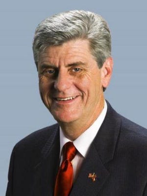 Gov. Phil Bryant presented six Mississippi companies with awards at the 2016 Governor's Awards for Excellence in Exporting event.