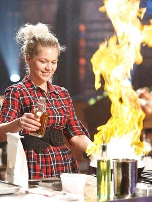 "Kentucky elementary school teacher Brandi Mudd has made it to the Top 12 contestants on FOX television's ""MasterChef."""