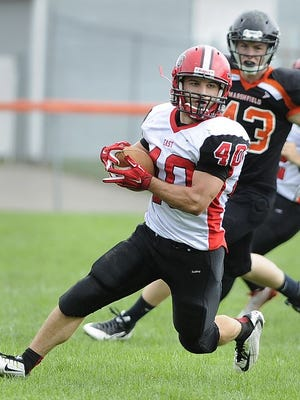 Wausau East's proposal to be an independent football program received support of the Wausau School Board Monday.
