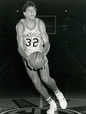 Vanderbilt great Will Perdue is among inductees for the 2017 class of the Tennessee Sports Hall of Fame.