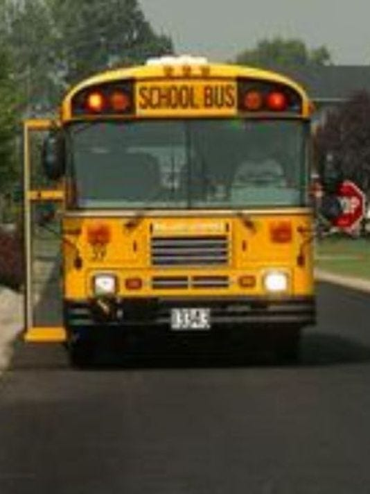 636166262785744409-636123903223373529-636095312649797311-1411662806000-school-bus-with-stop-sign.jpg