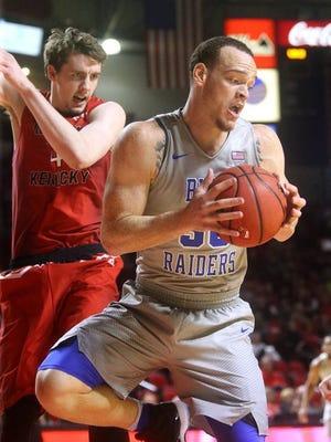 Reggie Upshaw averaged 14.5 points and 6.8 rebounds for MTSU.