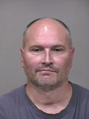 Rex Chapman was arrested Sept. 19 for allegedly shoplifting more than $14,000 in Apple merchandise.