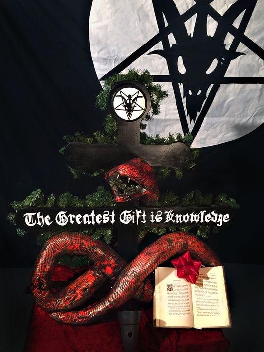satanist holiday display.jpg