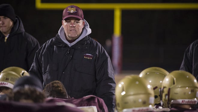 Dave Pasch is once again at the reins for Lutheran.