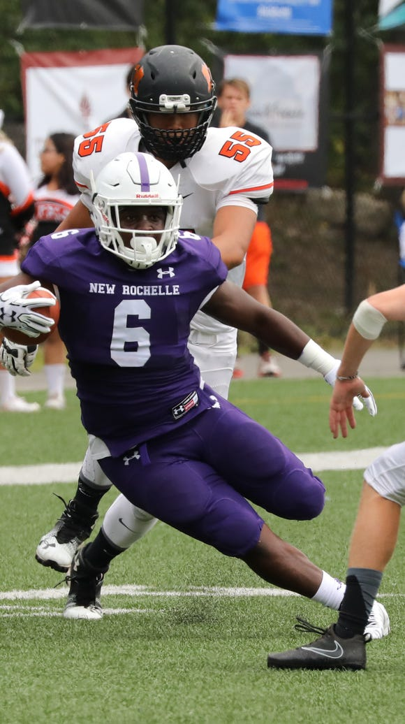 New Rochelle's Jared Baron eludes Mamaroneck's Michael