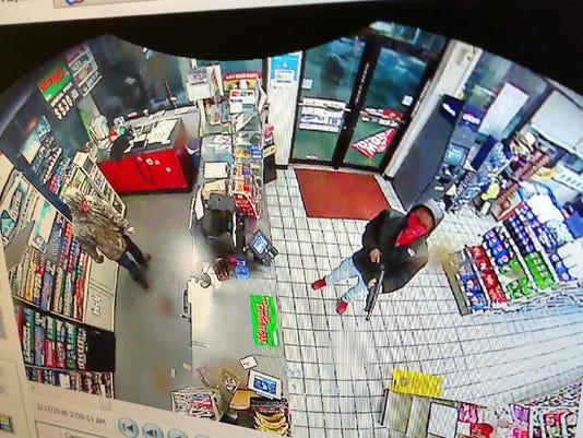 635913098037633508-7-Eleven-Suspects-3.jpg