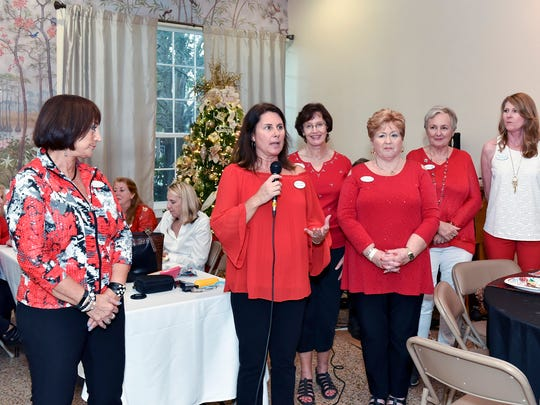 Woman's Club President Janie Copes, Tour Co-Chairs Lisa Pinkley and Jo Baxter, Founding Chair Polly Pharo, and Co-Chairs Paula Rosen and Tonya Axton worked long and hard on presenting this spectacular annual event.