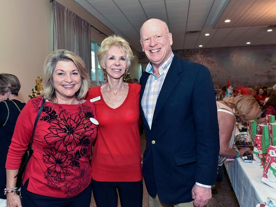 Celebrating the tour's success were, from left, Julia Sansevere, Pat Schmader and Honorary Chair Knight Kiplinger.