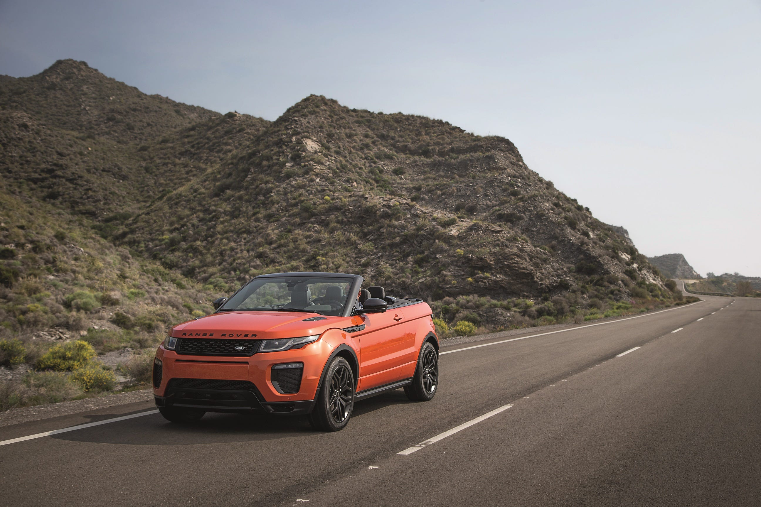Land Rover Goes Topless For New Range Rover Evoque