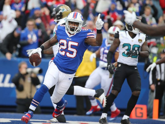 LeSean McCoy wants to continue playing for embattled
