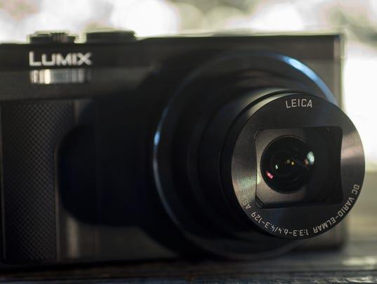 635921662379393096-panasonic-lumix-zs60-review-design-lens.jpg