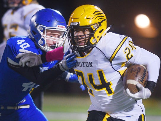 Groton Area's Seric Shabazz pushes past Sioux Falls