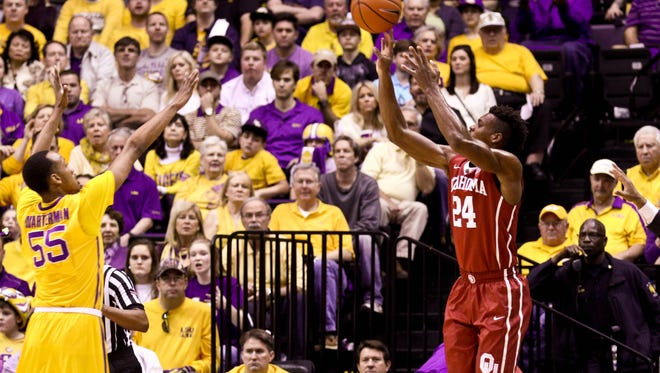 guard Buddy Hield had 32 points as Oklahoma topped LSU>