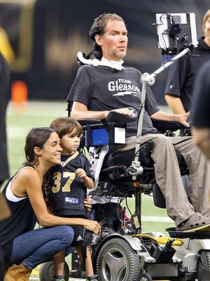 Chuck Cook/USA TODAY Sports Former Saints safety Steve Gleason was honored during a 2015 home game. Former New Orleans Saints safety Steve Gleason, who suffers with ALS, was honored at halftime of a 2015 home game.