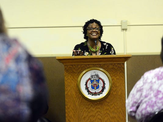 Mayor Bracey holds Town Hall meeting