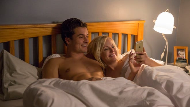 Orlando Bloom and Malin Akerman in 'Easy.'