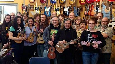 Ukulele workshop with Stuart Fuchs at Bernunzio's.