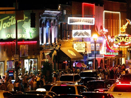 downtown nashville honky-tonk