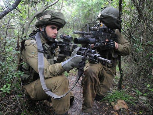 635678052508199778-DFN-Israel-soldiers