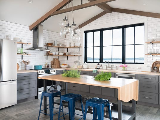 Colchester home gets dramatic diy network makeover for Diy network ultimate retreat 2017
