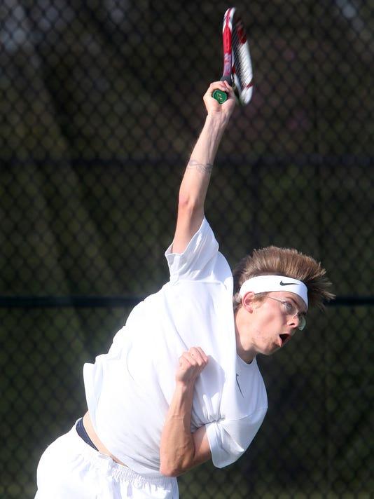 -2- Siegel Boys tennis Taylor Graalman.jpg_20150408.jpg