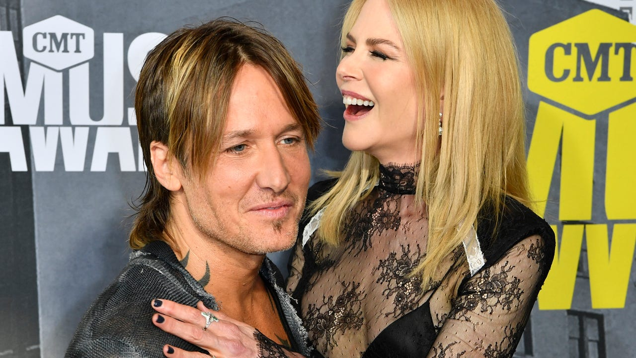 Keith Urban reacts to the Nashville Predators losing to the Pittsburgh Penguins in Game 6 of the Stanley Cup Final.