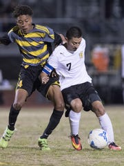 Golden West's Enrique Ibarra, right, and Edison's Jaylen